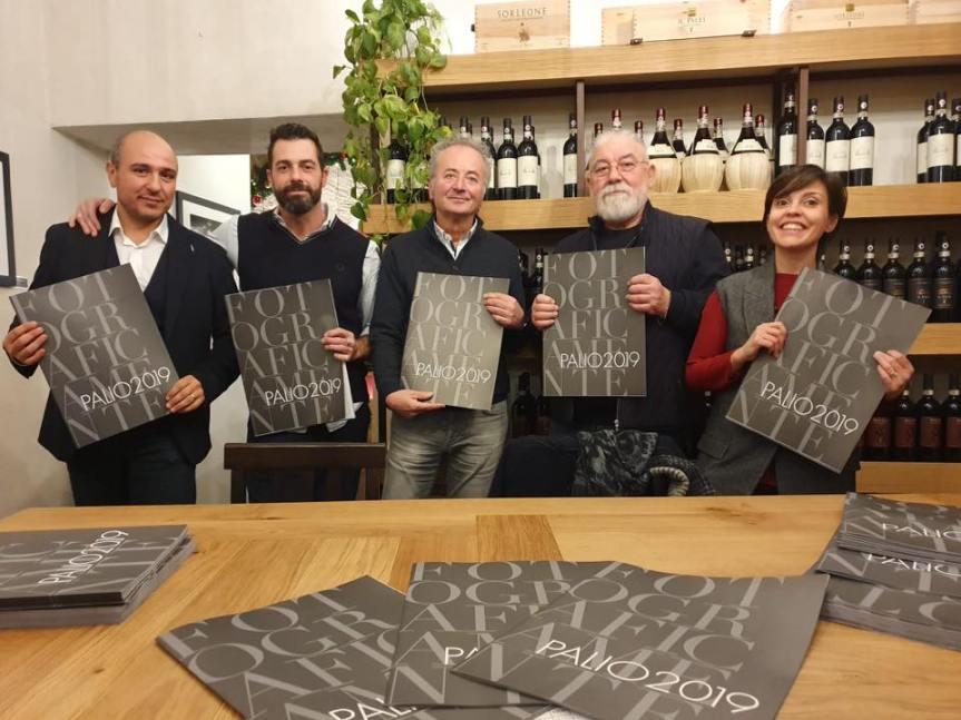 Siena: Oggi 28/02 Presentazione FotograficaMente Palio
