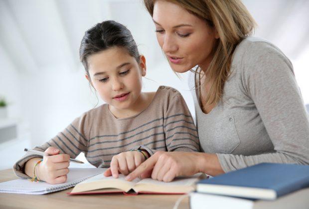 """Siena, Genitori, figli e compiti a casa ai tempi del """"io resto a casa"""": Ecco i consigli della psicologa dell'etàevolutiva"""