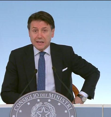 """italia: Coronavirus, nuovo Decreto del Presidente del Consiglio che """"chiude"""" Lombardia e 14 province, Scuole chiuse fino al 3aprile"""