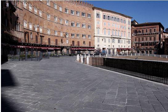 """Siena: Fase 2, in Piazza del Campo molti ristoranti storici restano chiusi. """"Senza turismo perdiamo l'85% deiclienti"""""""