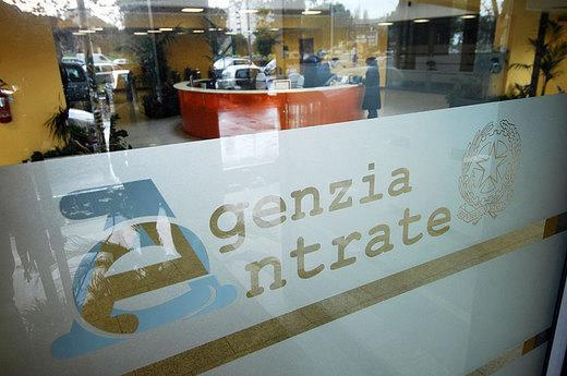 Siena: Evacuata l'Agenzia delle Entrate per una fuga digas