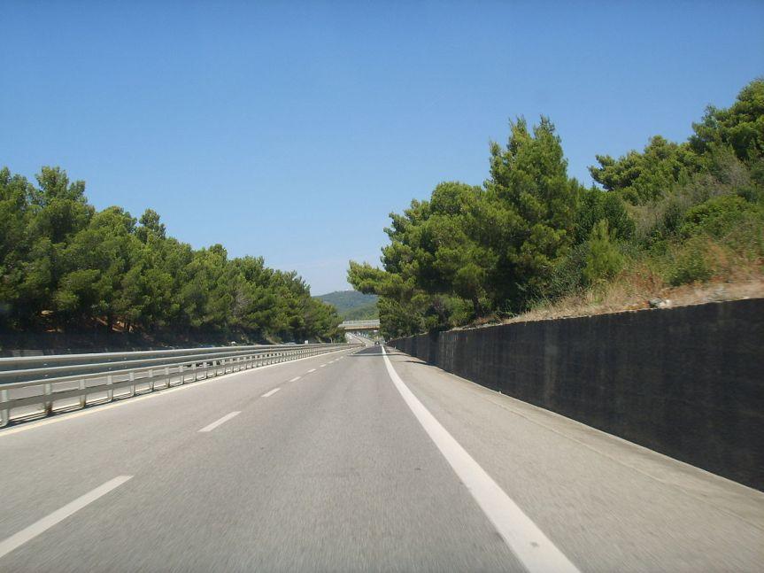 Toscana: Incidente sull'Aurelia, muore motociclista. Trafficorallentato