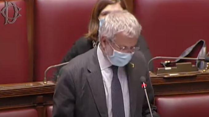 """Italia, Claudio Borghi, solidarietà a Luigi Marattin: """"Irruzione della polizia, non possonofarlo"""""""