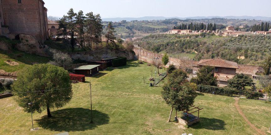 Siena: Le contrade mettono a disposizione le proprie aree verdi per i campiestivi