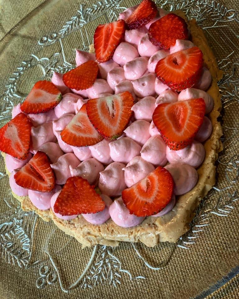 Massi Lo Sà, L'Angolo Goloso di Elisabetta: Cheesecake con yogurt efragole