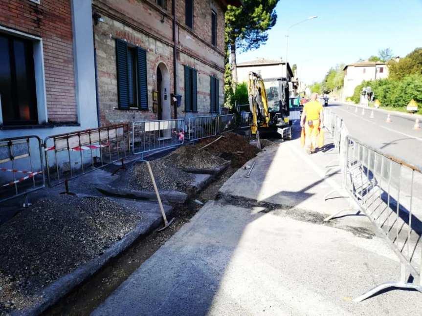 Siena: Oggi 09/05 iniziati i lavori per il marciapiede in ViaAretina