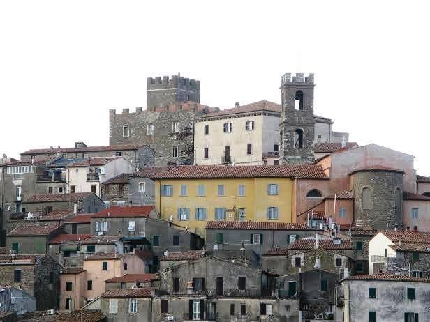 Toscana: Manciano sfida il ministro e apre ilconfine