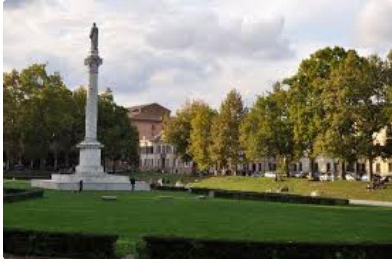 Palio di Ferrara: Piazza Ariostea, lavori di adeguamento alPalio