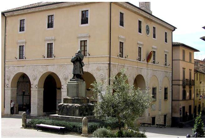 Provincia di Siena: Sarteano nella morsa delghiaccio