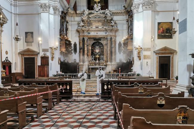 Siena: Contrasto diffusione Covid-19: le operazioni di sanificazione e igienizzazione nella chiesa di Santa Maria in Provenzano aSiena