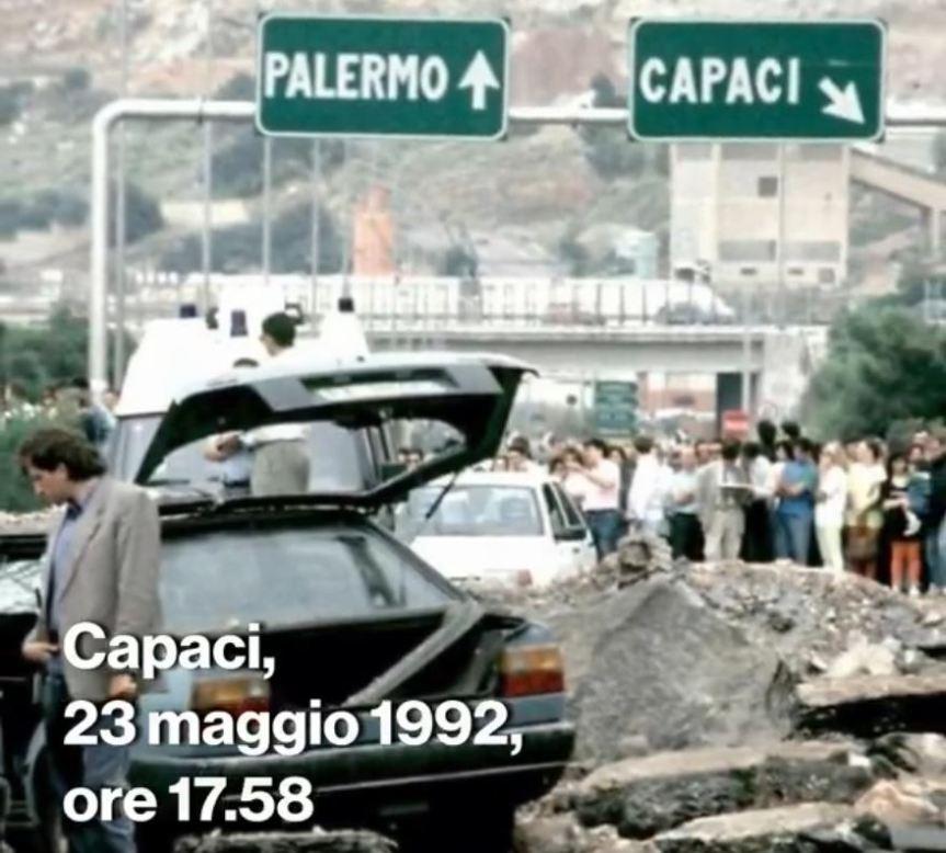 Siena: Il Sindaco De Mossi sul proprio profilo ricorda Giovanni Falcone morto nella strage diCapaci