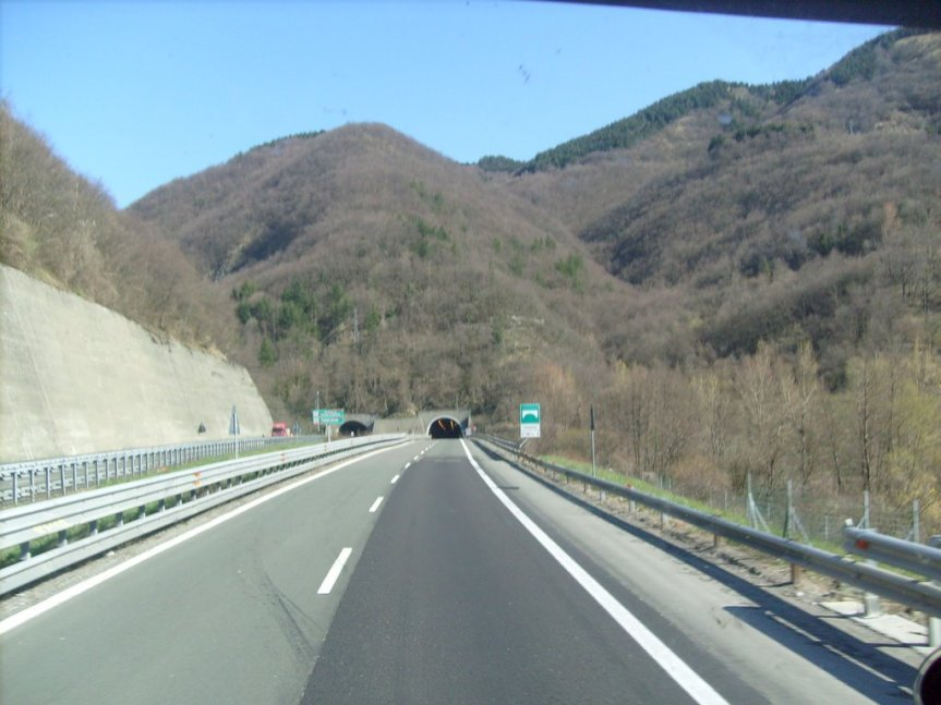 Toscana: Tremendo impatto frontale sulla Cisa, duemorti