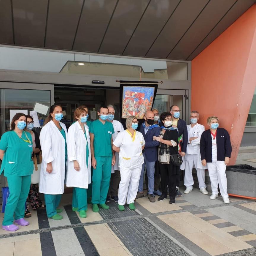 """Palio di Asti, Comitato Palio Don Bosco: Oggi 10/06 Consegnato il """"Palio dell'Amicizia"""" ai sanitari dell'Ospedale CardinalMassaia"""