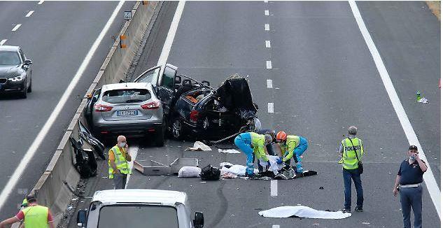Toscana, Strage in autostrada: Morti fratellini e nonni, per il conducente c'è l'arresto. E' il padre deibimbi
