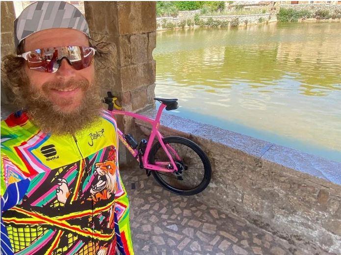 Provincia di Siena, Continua il tour in bici di Jovanotti nel senese: Tappa a BagnoVignoni