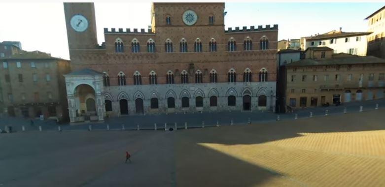 Siena: Piazza del Campo dal droneX300B