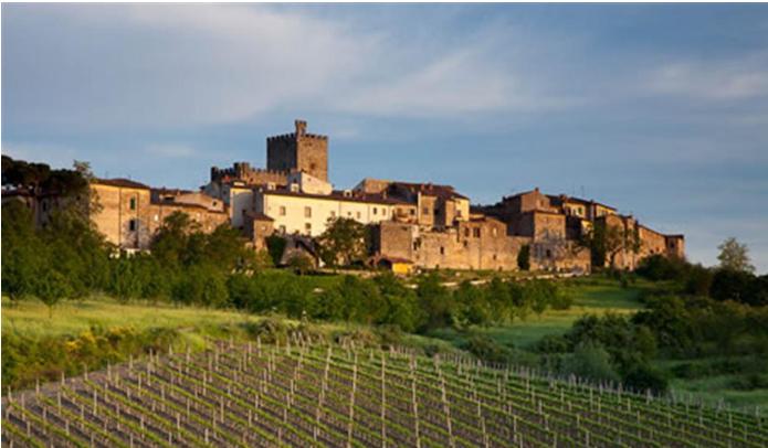 Provincia di Siena: A fuoco una mansarda a Castellina in Chianti: persona soccorsa dal 118, muore uncane