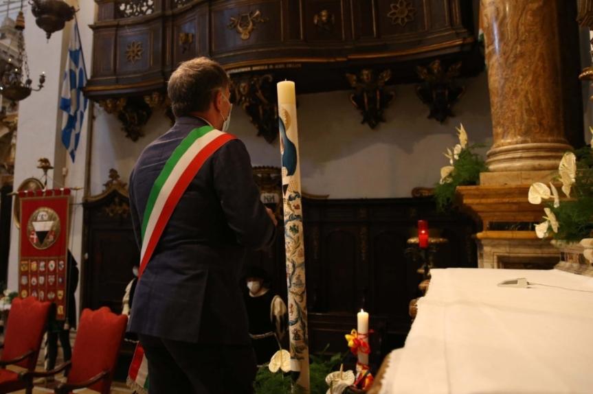 Siena: Oggi 01/07 Dono del cero alla Madonna diProvenzano
