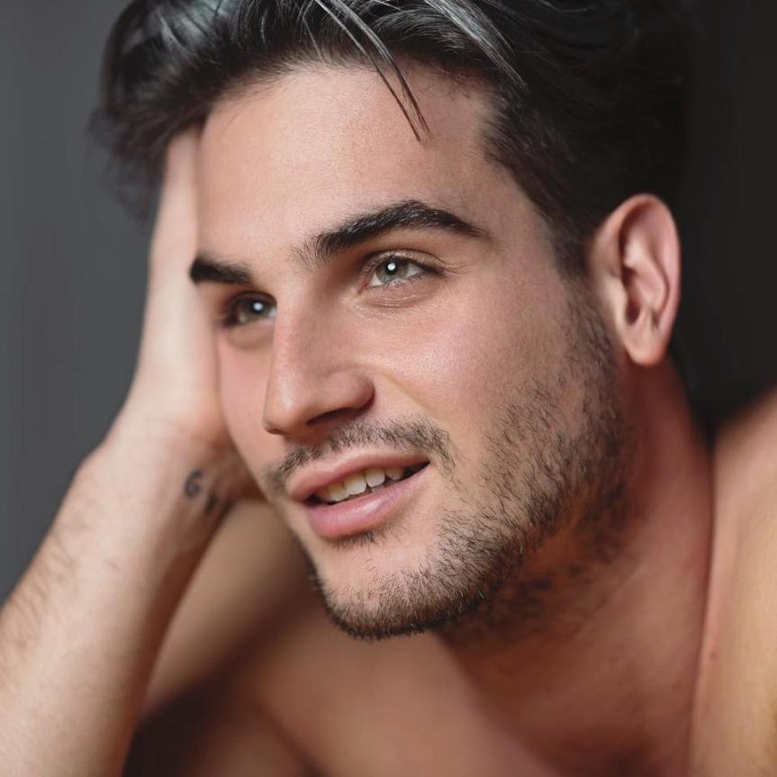 Provincia di Siena: Aggredito perchè gay, il racconto di Francesco a SienaTv