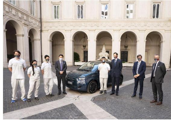 Italia: Conte incontra John Elkann per presentazione nuova 500elettrica