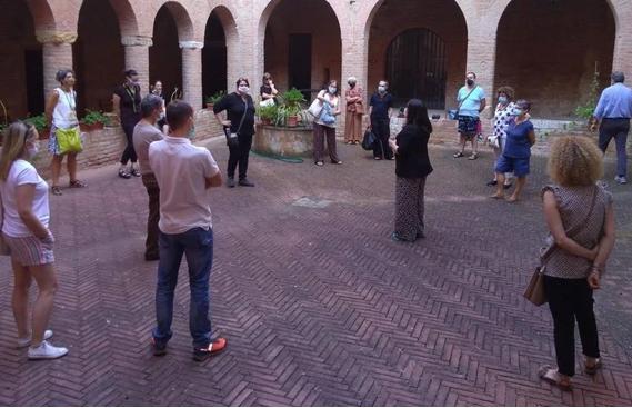 """Siena: """"Le Scoperte"""", passeggiata decisa a sorte La sceglie l'estrazione dellefigurine"""
