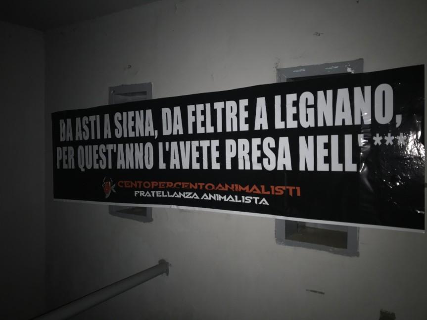 Palii, Legnano: Affisso striscione ironico vs il palio dei Cavalli annullato a Siena, Asti eFeltre