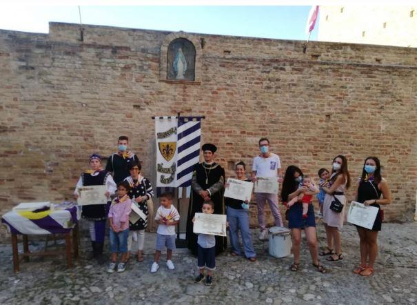 Cavalcata dell'Assunta Fermo, Contrada Fiorenza: Festeggiati 13 nuovi Battezzati e annuncio della cena di Contrada del13/08