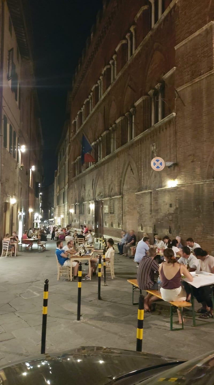 Siena: Il messaggio del commerciate Filippo Orsini sull'inizitiva Strade Gialle della Contrada dell'Aquila
