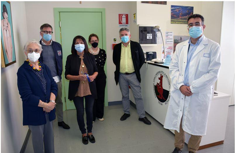 Siena: Il sindaco De Mossi e l'assessore alla sanità Appolloni in visita alla casa accoglienza per mamme della Fondazione DaniloNannini