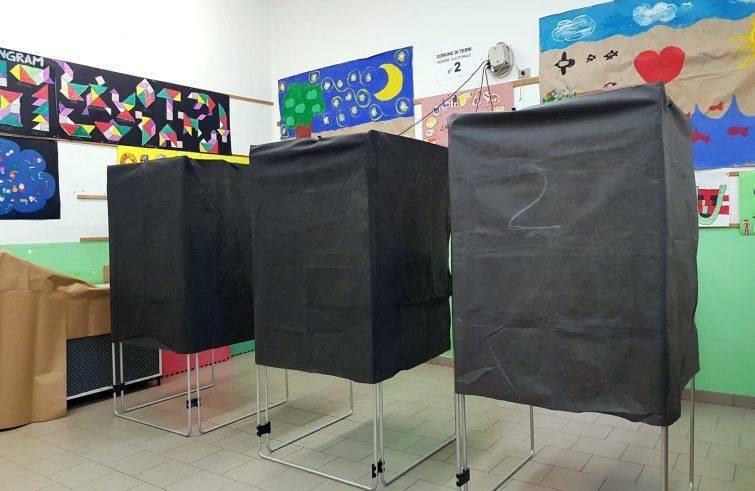 Siena: Lo spostamento delle sedi elettorali in luoghi diversi dalle strutture scolastiche nell'interrogazione di Micheli eMasi