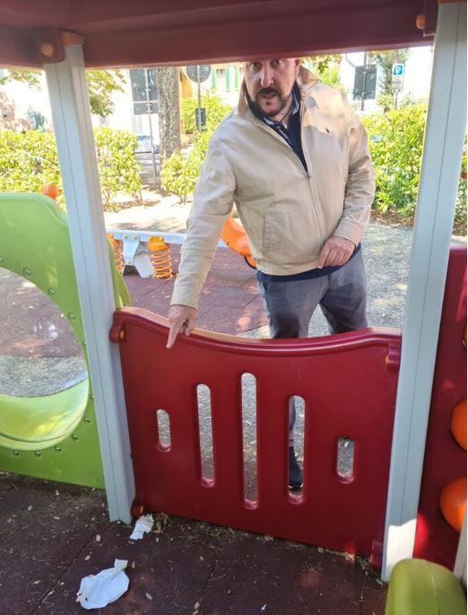 """Siena, Rosso (Fdi): """"Immigrati dormono nel parco giochi, vicendaincredibile"""""""