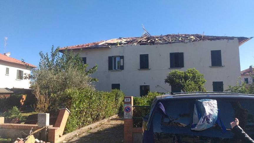 Toscana: Piove sui tetti divelti, corsa contro il tempo aRosignano