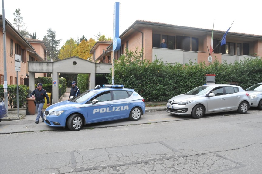 Provincia di Siena: Giovane arrestato in flagranza di reato per detenzione ai fini di spaccio di sostanzestupefacenti