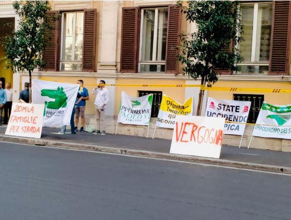 Ippica: ieri 08/09 La manifestazione di protesta organizzata dal Gruppo IppodromiAssociati