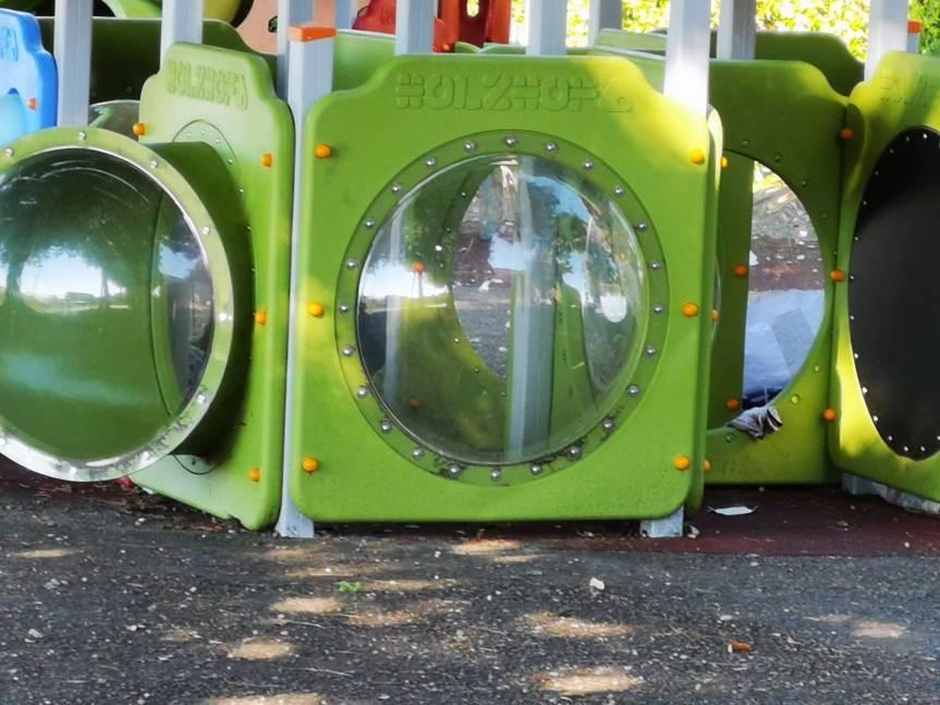 Siena, i genitori dei bambini del Parco di Porta San Marco: Oggi 06/09 Stranieri dormono dentro i giochi deibambini