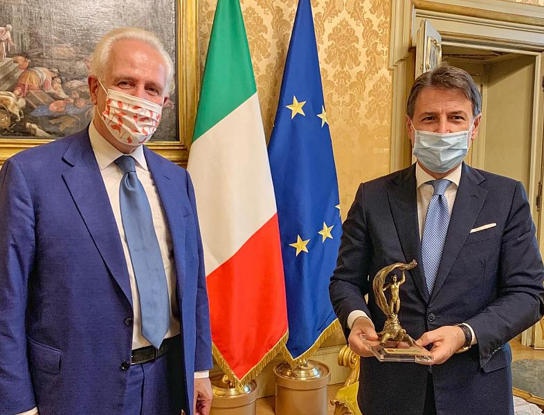Italia: Giani incontra Conte, in dono il festinalente