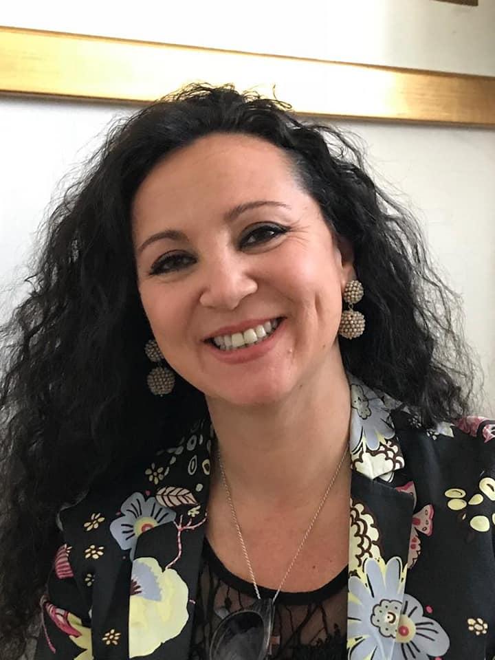 Siena: La fashion designer senese Ripalta Daniello realizza il calendario 2021 per laLilt