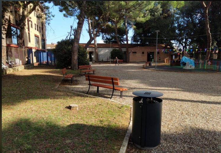 Siena: Installate nuove panchine e nuovi cestini nel parco di Piazzad'Armi