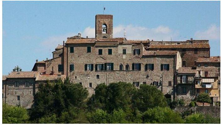 Provincia di Siena: Casole, commercianti uniti per superare lacrisi