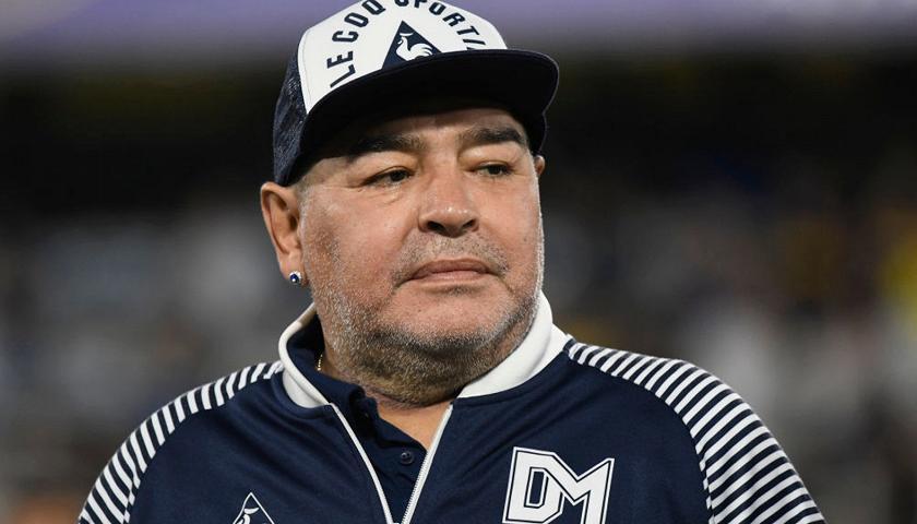 Estero: Figlio non riconosciuto di Maradona vuole che venga riesumato per fare il test delDNA