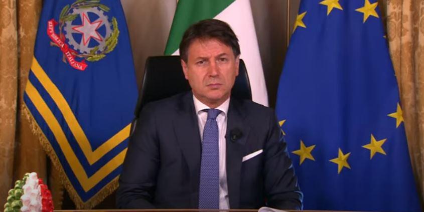 Italia, Giuseppe Conte travolto dagli insulti: Il premier annuncia l'intervista e parte losfottò