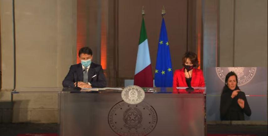 italia: Giornata internazionale per l'eliminazione della violenza contro le donne, Palazzo Chigi s'illumina dirosso