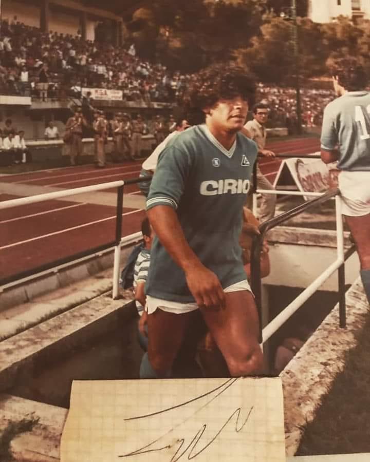 Estero: Oggi 25/11 è morto Diego Armando Maradona. Video di quando giocò in amichevole a Siena nel1984
