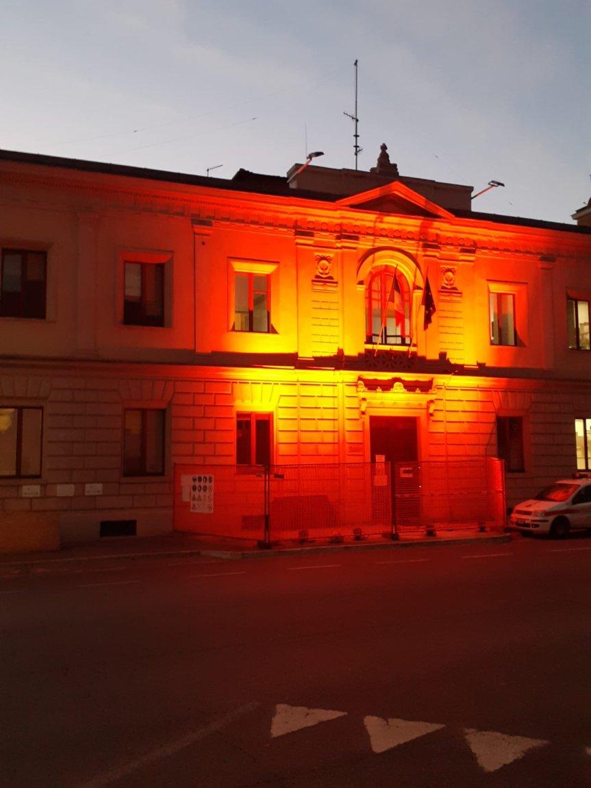 Siena: Oggi 25/11 Il comando dei Vigili urbani si colora di arancione contro al vilenza sulledonne