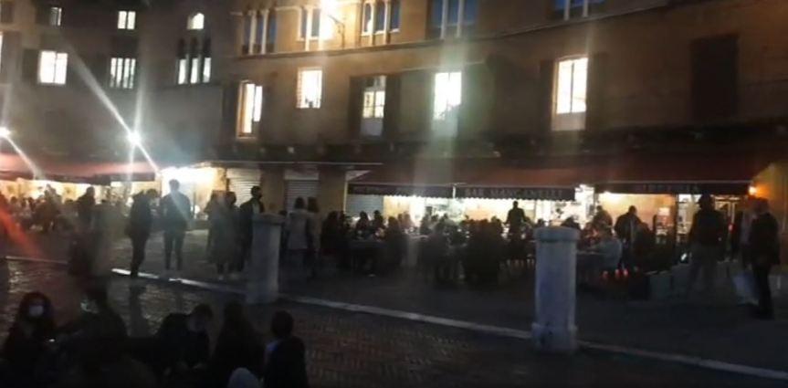 """Siena: La nuova """"movida""""al tempo del Covid e prima della chiusura deilocali"""