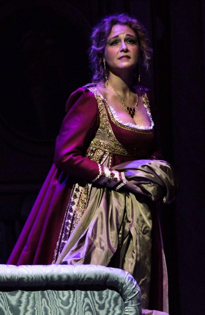 Siena: Domani 25/12  su Siena Tv ore 20.15 il concerto di Natale con il soprano CristinaFerri