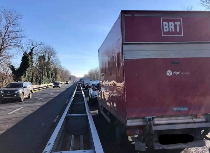 Provincia di Siena, Camion perde rimorchio sulla Siena-Firenze: Lunghe code ma trafficoriaperto