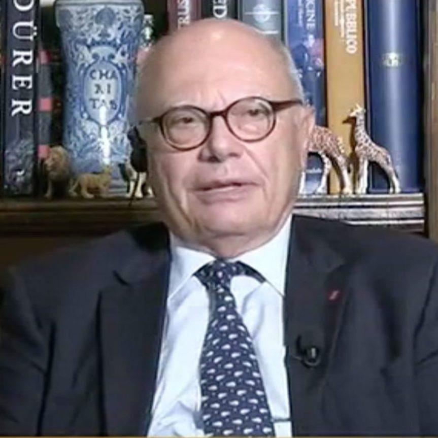 """Italia, No alle elezioni? Gianluigi Paragone contro l'infettivologo Massimo Galli: """"Addirittura sostituisce Mattarella""""e"""