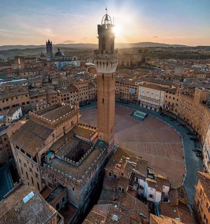 Siena: Il denaro cancella i peccati e assolvetutti