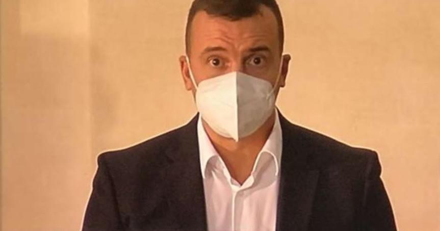 Italia, Giuseppe Conte licenzia Rocco Casalino. Indiscrezione da Palazzo Chigi:  A cosa è disposto per salvare lapoltrona